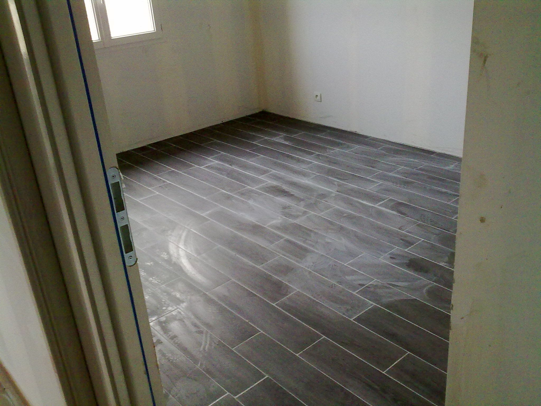 Pose carrelage chambre for Carrelage chambre